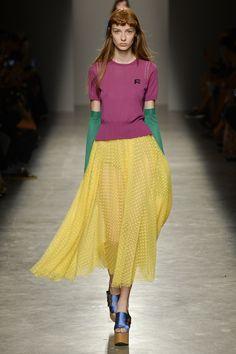 Rochas Spring 2017 Ready-to-Wear Fashion Show - Ala Sekula
