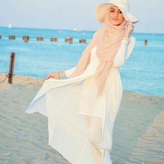 white hijab beach outfit