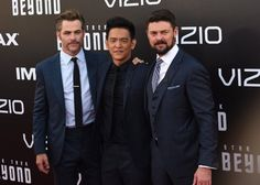 Pin for Later: Chris Pine Brings His Sexy Scruff to the Premiere of Star Trek Beyond