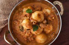 Baby Potato Theeyal Recipe(Kerala Style Potatoes In Shallots And Roasted Coconut Recipe)