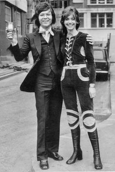 Boots girls years 60s 70s • Stivali e minigonne anni 1960 e 1970 Olivia Newton John