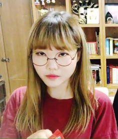 Soohyun K Pop, Lee Chan Hyuk, Lee Soo Hyun, Akdong Musician, Friends Show, Face Claims, Kpop Groups, Mochi, Polaroid