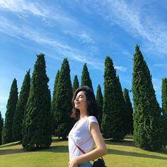 Portrait Photography Poses, Photography Poses Women, Girl Photography Poses, Best Photo Poses, Girl Photo Poses, Girl Pictures, Girl Photos, Freedom Girl, Pretty Korean Girls