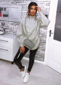 Searching for the Best Winter Fashion Ideas For African Americans? Well, you are just a click away from the best ever collection of winter outfits for you! Fall Fashion Outfits, Casual Winter Outfits, Trendy Outfits, Cute Outfits, Fashion Ideas, Outfit Winter, Outfit Invierno, Mein Style, Jumpsuit Outfit