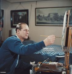 Prince Philip, Duke of Edinburgh pictured painting with oil colours at an easel during filming of the television documentary 'Royal Family' in London in The documentary would be first broadcast to the nation's television viewers on June Elizabeth Philip, Princess Elizabeth, Queen Elizabeth Ii, Prinz Phillip, Adele, Royal Family Portrait, Elisabeth Ii, British Royal Families, Young Prince