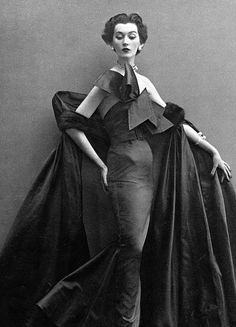 Dovima in evening dress by Fath, photo by Avedon, Paris studio, August 1950