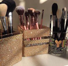 Trendy makeup organization vanity diy tips ideas Trendy Make-up Organisation Vanity DIY Tipps Ideen Diy Makeup Organizer, Makeup Organization, Bathroom Organization, Beauty Organizer, Storage Organizers, Storage Drawers, Storage Chest, Diy Vanity, Vanity Ideas