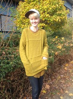 Crossing Lines Sweater by Boadicea Binnerts | Aran wt. 15sts/4in | This tunic pullover has instant cast-on appeal for me! It's going in my queue.