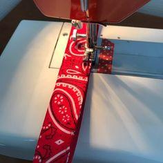 NaLaN'ın Dünyası : Yazlık Bandana Saplı Örgü Hasır Çanta Yapımı Crochet Handbags, Handmade Bags, Knitting Bags, Party Bags, Crochet Pouch, Tricot, Ideas, Knit Bag, Handbags