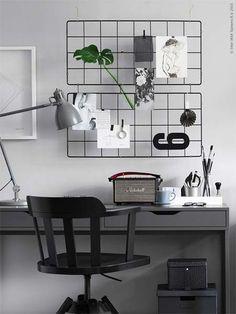 Não só como decoração, o mesh board também pode ter outras utilidades como organizador de utensílios na cozinha ou até como estrutura para pendurar plantinhas na parede. #meshboard #organização #homeoffice