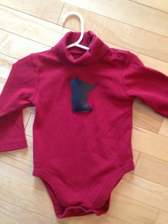 Minnesota Baby Onesie ~ Size 18 Months ~ Red with Black MN Appliqué ~ Children's Place Upcycled ~ One-of-a-Kind Gift for the cool MN Baby!! by ArtThatCooks on Etsy