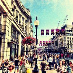 #RegentStreet #SummerStreets #London by @mertontheroad Public Garden, West End, Summer Activities, Retail Therapy, London England, Landscape Photography, Street View, Travel, Viajes