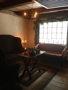 Colonial/Primitive Rooms.