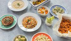 Karfiolu je začiatkom leta všade plno, stojí málo a navyše ho väčšinou zoženiete z miestnych zdrojov. Lenže klasické úpravy dokážu ísť človeku veľmi skoro hore krkom. Čo takto vyskúšať nové variácie? Fruits And Vegetables, Chana Masala, Fried Rice, Whole30, Fries, Healthy Recipes, Healthy Food, Cooking, Ethnic Recipes