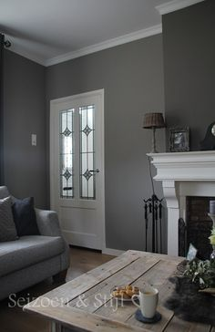 I love Grey paint - sublime decor