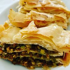 Holiday Memories of Istanbul Spanakopita, Istanbul, Memories, Dishes, Ethnic Recipes, Holiday, Food, Souvenirs, Plate