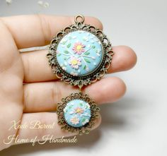 Clay Floral Applique Pendant Necklace by PrettyTissu on Etsy, $45.00