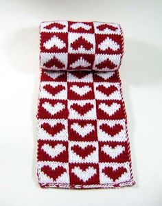 From the Heart scarf free knitting pattern. Double knit heart reversitble scarf