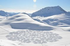 Snow patterns created by foot - Simon Beck