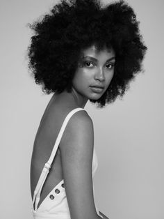 Hair Ideas For The Ladies.Tips for awesome looking hair. Your hair is usually exactly what can easily define you as a man or woman. To many individuals it is undoubtedly important to have a really good hairstyle. Moda Afro, Curly Hair Styles, Natural Hair Styles, Afro Textured Hair, Fc B, Afro Hairstyles, Updo Hairstyle, Black Hairstyles, Wedding Hairstyles