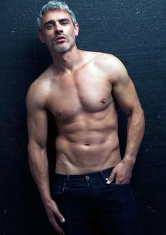 Hot, Beefy, Sexy, Muscular, Shirtless Men for You! Marie Von Ebner Eschenbach, Silver Foxes Men, Hommes Sexy, Going Gray, Raining Men, Mature Men, Older Men, Grey Hair, Good Looking Men