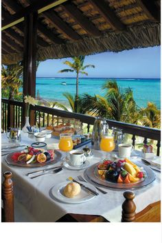 Your spectacular view from your Dinarobin suite, while enjoying a tropical breakfast.