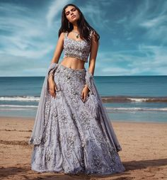 Indian Gowns Dresses, Indian Fashion Dresses, Dress Indian Style, Indian Designer Outfits, Dress Fashion, Designer Bridal Lehenga, Indian Bridal Outfits, Indian Lehenga, Indian Attire