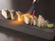 ぐるなび - 六角 有楽町駅前店 :島根県浜田産 のど黒の棒寿司 軽く炙り・・・美味