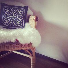 .@bikinitine   Fell drüber und schon sieht der alte Gartenstuhl cool aus Happy Friday️   Webstagram - the best Instagram viewer