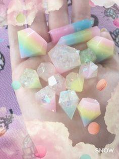 Pastel Wonderland — kittywood: New pastel gems! Handmade from resin. Resin Crafts, Resin Art, Crystals And Gemstones, Stones And Crystals, Gem Stones, Swarovski Crystals, Kawaii Diy, Kawaii Stuff, Kawaii Shop