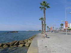 Strandpromenade in Paphos mit Blick auf den Hafen - Zypern