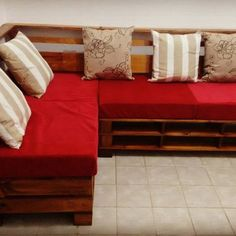 DIY Pallet storage boxes, Pallet sofas, and tables: Wooden Pallet Furniture, Wooden Pallets, Pallet Storage, Storage Boxes, Pallet Sectional, Pallet Wall Art, Pallet Projects, Indoor, Couch