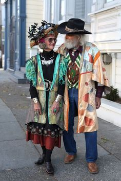 """owls-love-tea: """"Mort and Virginia Linder have been married for over 53 years. When I asked them what the their secret is Mort answered,"""" Just be extra nice to each other I don't think I've ever been mad at Ginny for over 10 minutes. We feel like. Style Funky, My Style, Looks Style, Looks Cool, Mode Ab 50, Look Fashion, Womens Fashion, Old Couples, Mature Couples"""
