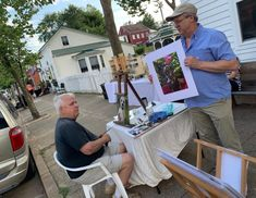 Artists are drawn to the eclectic and creative vibe found in Hermann. From traditional crafts to sculpted works, paintings, theater and more, artists will find Hermann to be a welcoming spot to share their passions.