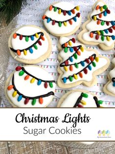 Santa's Favorite Cookies - Christmas Lights Sugar Cookies via If you want to make some special Christmas cookies for your family or a Christmas party, these Christmas lights sugar cookies are beautiful! Christmas Biscuits, Christmas Sugar Cookies, Christmas Snacks, Christmas Cooking, Santa Cookies, Drop Cookies, Santa Cookie Recipe, Baby Cookies, Heart Cookies