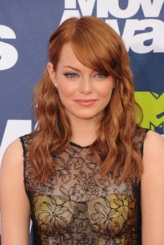 Love Emma Stone's hair color and makeup