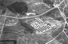 Década de 1960. No centro da imagem, o conjunto arquitetônico do Centro Politécnico; à esquerda, o Hospital Erasto Gaertner.