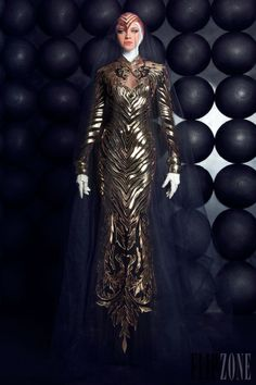 the lion heads at the top of the dress are awesome Nicolas Jebran HOUTE COUTURE SUMMER 2013