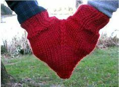 Tuto de ces gants en forme de coeur à télécharger juste en dessous de la photo