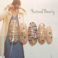naturalbeautyさんのジェルネイル,ミディアム,ベージュ,冬,ツイード,パール,雪の結晶,ハンド,ネイビーネイル♪[1827821]|ネイルブック