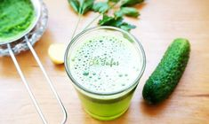SUCUL de CASTRAVETE dizolvă acidul uric și dezintoxică organismul | La Taifas Natural Health Remedies, Green Life, Cantaloupe, Cooking Recipes, Fruit, Vegetables, Dan, Food, Medicine