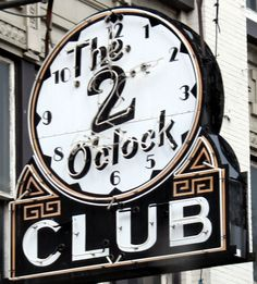 the 2 o'clock club in baltimore. i love vintage and neon signs! this could be one of my favorites.