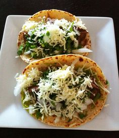 Brisket tacos like Torchy's Crossroads Entree Recipes, Meat Recipes, Slow Cooker Recipes, Mexican Food Recipes, Dinner Recipes, Cooking Recipes, Healthy Recipes, Brisket Tacos, Mexican Dishes