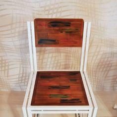 John Chair Merupakan Kursi Cafe Bergaya Vintage Dengan Rangka Besi Dan Dudukan Kayu Yang Kuat Dan Unik Dekorku Com Tempat Pesan Furniture Kayu Kursi Telepon