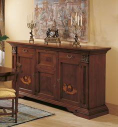 Credenza Collezione MIchelangelo in noce nazionale massello made in  Italy intarsiata in vero legno .