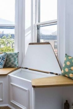 The best and easiest window storage bench ikea that look beautiful Window Seat Storage Bench, Bay Window Benches, Window Seat Kitchen, Storage Bench Seating, Bay Window Seating, Bay Window Living Room, Kitchen Seating, Banquette, Dining Nook