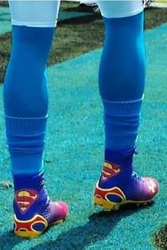 Cam Newton rocking Superman cleats for season opener. So yeah. I might buy these for Rhett Football Cleats, Football Fans, Football Players, Soccer, Carolina Panthers Football, Nc Panthers, Panther Football, Cam Newton Superman, Cam Newton Cleats
