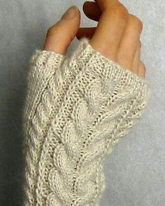 Ravelry: Linda K's Yummy Mummy Wristwarmers pattern by Alexandra Brinck Free Pattern Sport / 5 ply wpi) ? 30 stitches = 4 inches US 2 - mm 200 yards m) Sizes available one size Fingerless Gloves Knitted, Crochet Gloves, Knit Mittens, Knitting Socks, Free Knitting, Knit Crochet, Crochet Hand Warmers, Baby Mittens, Knitting Machine