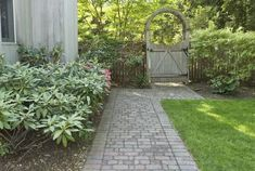 Landscaping Ideas for Side Yards