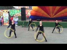 Танец с обручами - YouTube